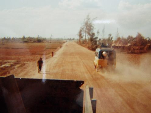 vietnam road Mai loc to Dong Ha.jpg